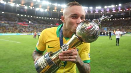 Everton Soares Bio: Age, Stats, Career, Transfer News ...