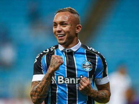 Club Everton Soares