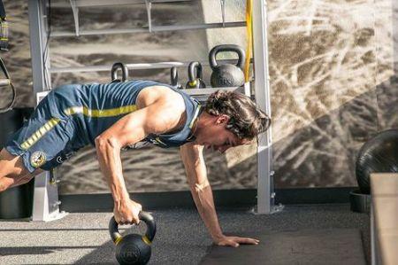 Diego Lainez, training