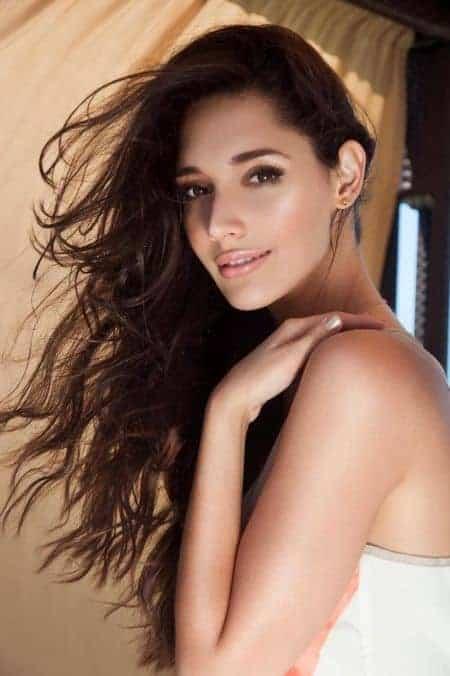 Amelia Vega age