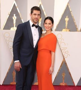 Aaron-Rodgers-with-Olivia-Munn-at-the-Academy-Awards