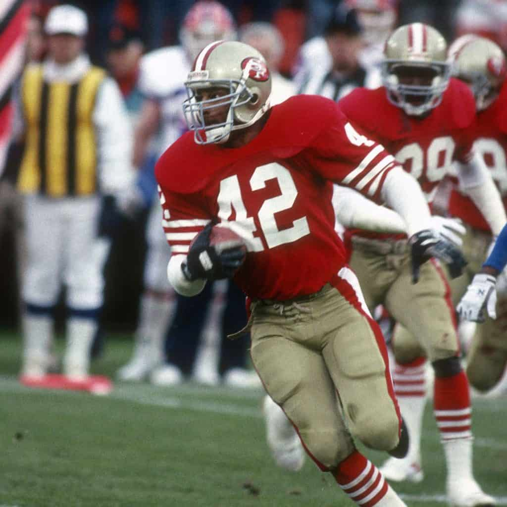 Ronnie Lott on field playing for the 49ers
