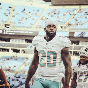 Reshad Jones playing for Miami Dolphins.
