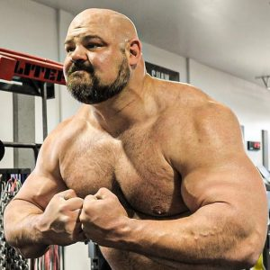 Brian Shaw Showing Muscles