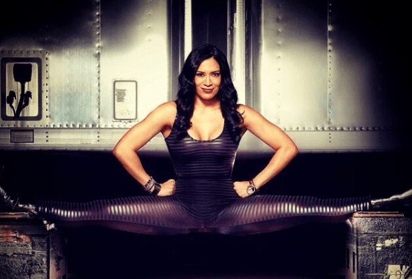 Melina always known for her splits