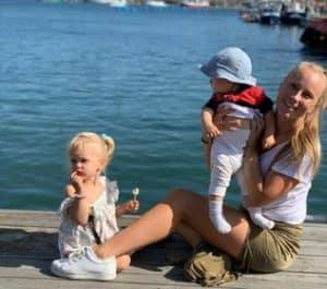 Wife Moa with children(Eva and Eston)
