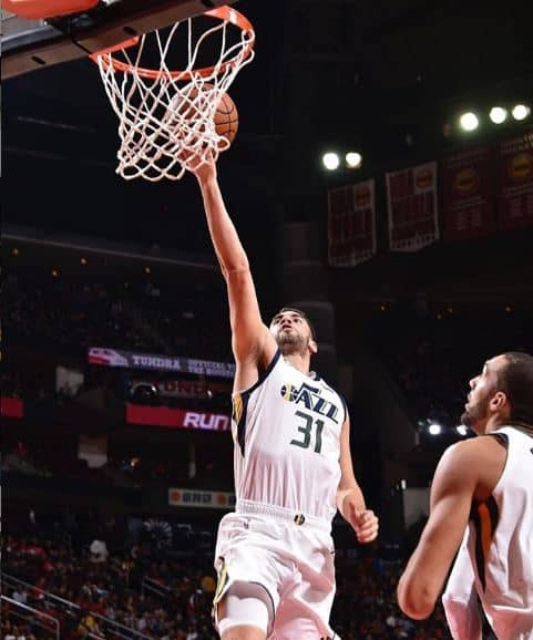Niang playing for the Jazz