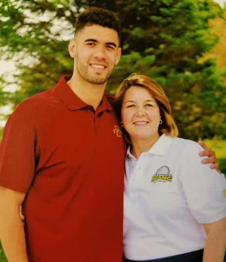 Niang with his mother