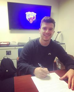 Cairo signing with Chicago Bears