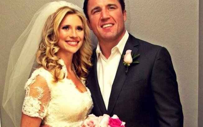 Chael Sonnen and his wife