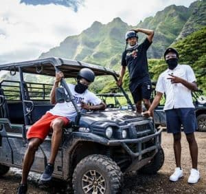 robinson-with-his-friends-in-hawaii