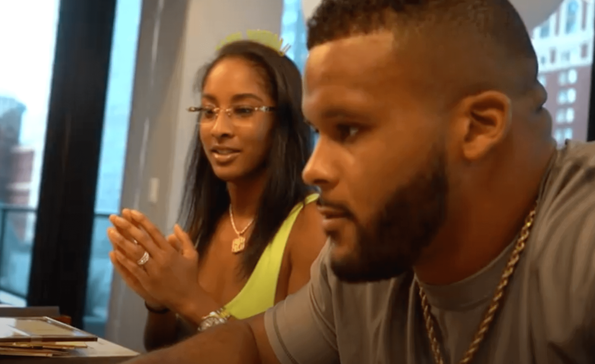 Aaron Donald Bio Wife Kids Contract Draft Nfl Rams Players Bio