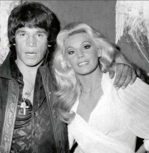 Carlos Monzón with his girlfriend, Susana Giménez.