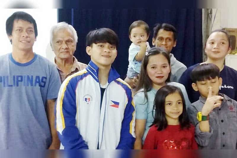 Yulo with his family