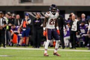 Kevin-toliver-with-chicago-bears