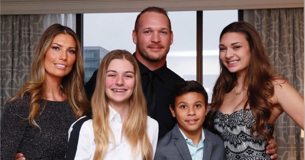 Brian Urlacher wife and kids