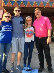 chris holdsworth family