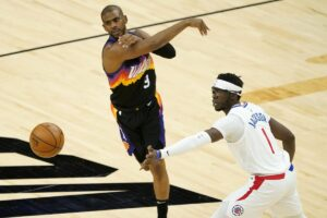 Phoenix Suns make it to the playoffs