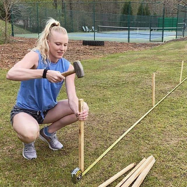 Sandi Morris building her pole vault pit