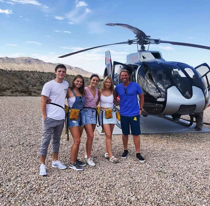 Shane Warne vacations with family