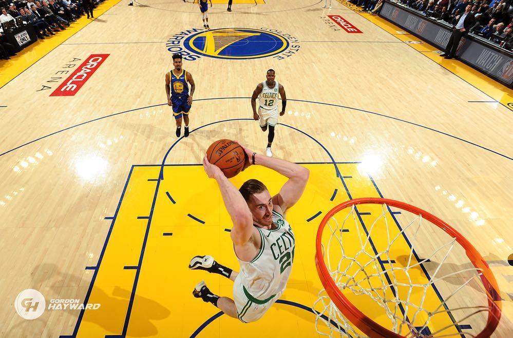 Gordon Hayward dunking against Warriors