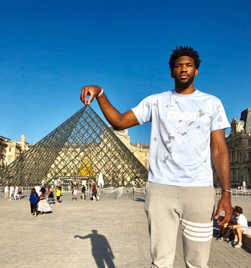 Joel in Paris