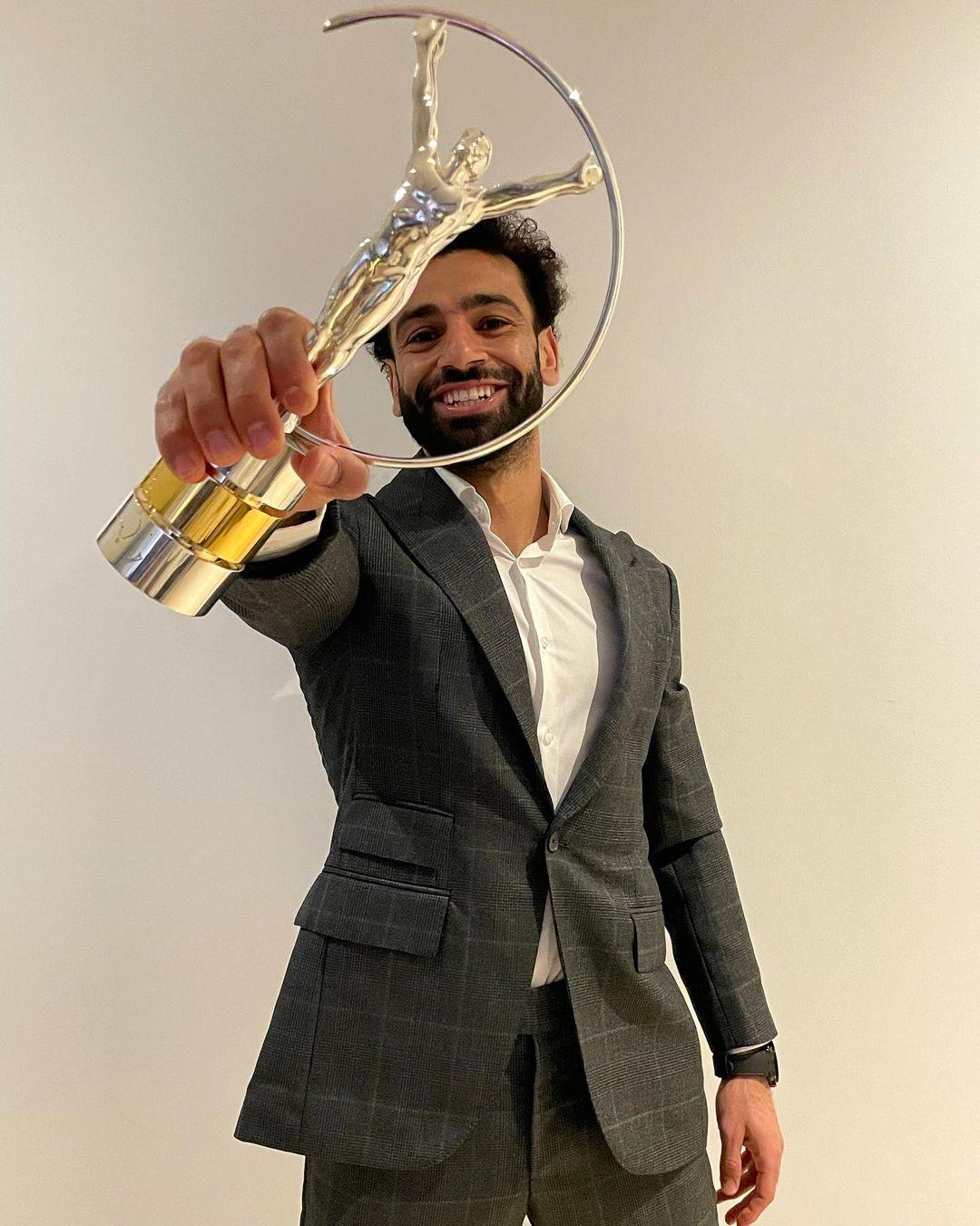 Mohamed Salah wining award