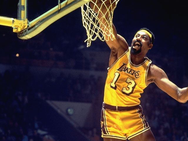 Wilt_Chamberlain, First person to score 30000 points