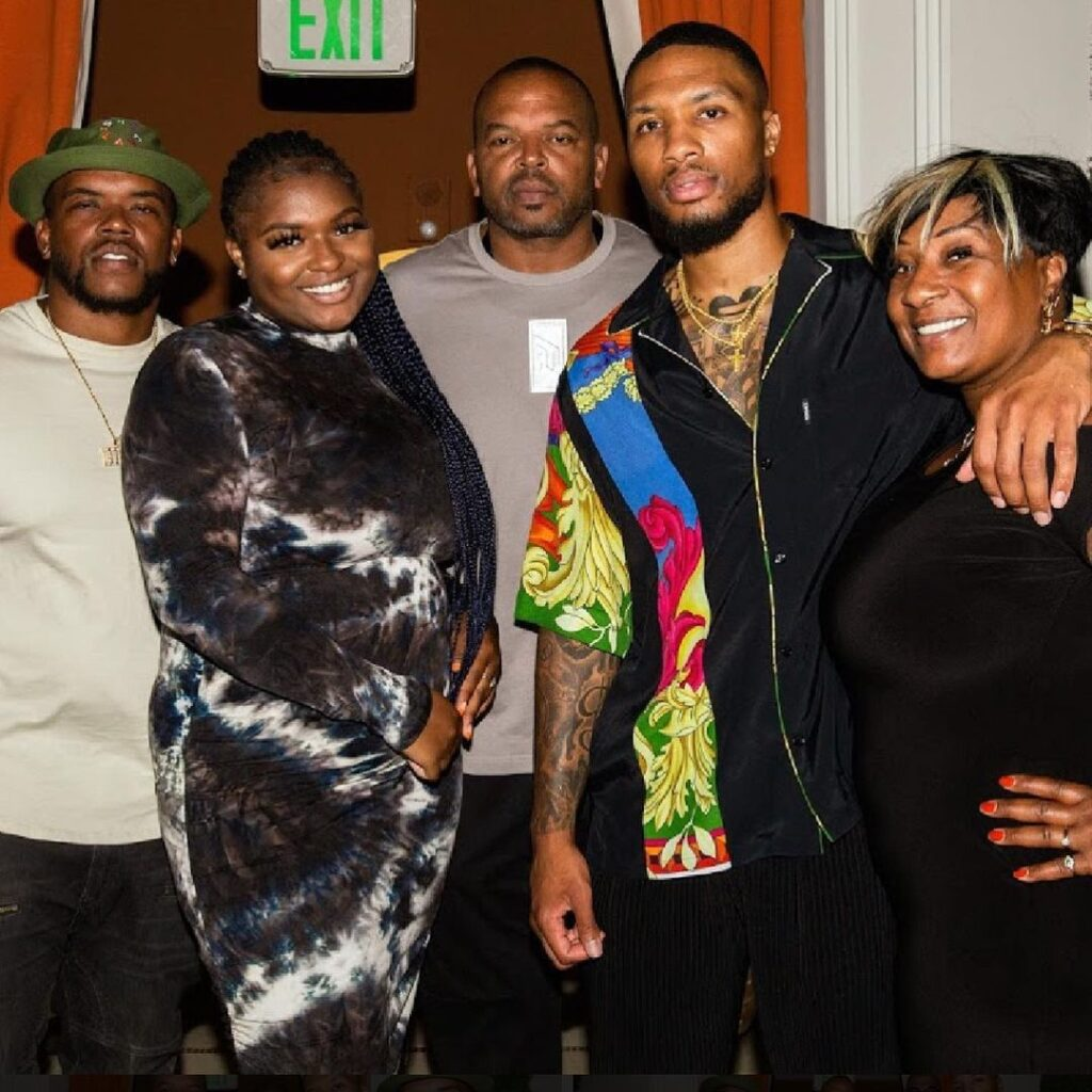 Damian Lillard and his family from left his brother Houston Lillard Jr, his sister Lanae Lillard, his father Houston Lillard Sr, Damian Lillard, and his mother Gina Johnson (Source: Instagram)
