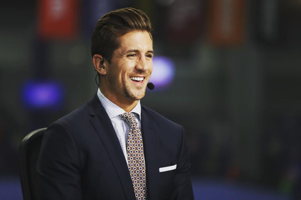 Jordan Rodgers clicked candid while commentating (Source: Instagram)