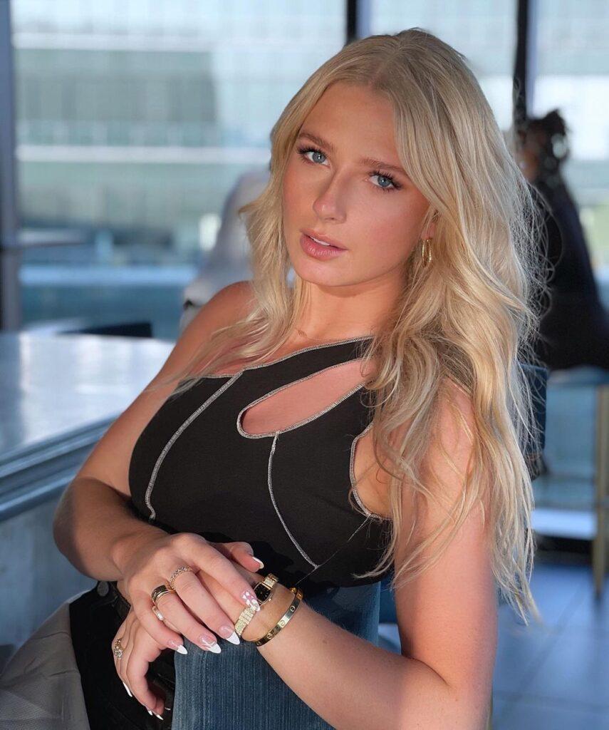 Kara Maxine Kevajecz posing for a picture ( Source: Instagram)