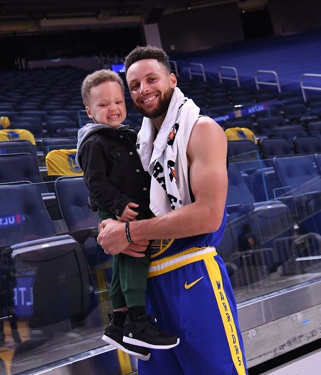 Stephen Curry's son looks like him