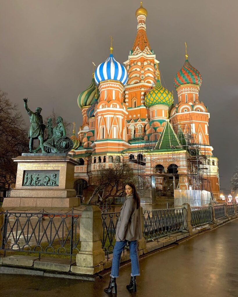 Nicole Meyer in Russia.